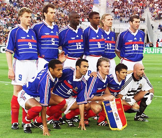 Форма сборной Франции по футболу 1998 (комплект  футболка + шорты + гетры) 7e579fecda3